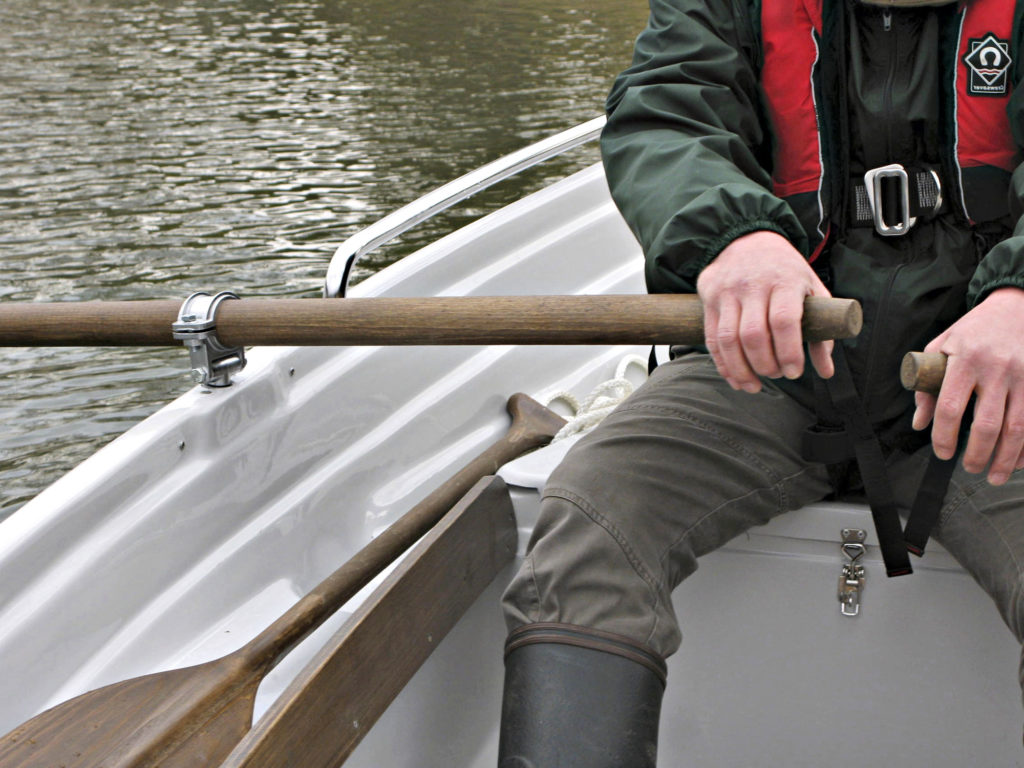 Soutuvene kuuluu suomalaiseen mökkirantaan. Vene rakennetaan perinteisen puun lisäksi yleensä lasikuidusta, vanerista tai jopa alumiinista.